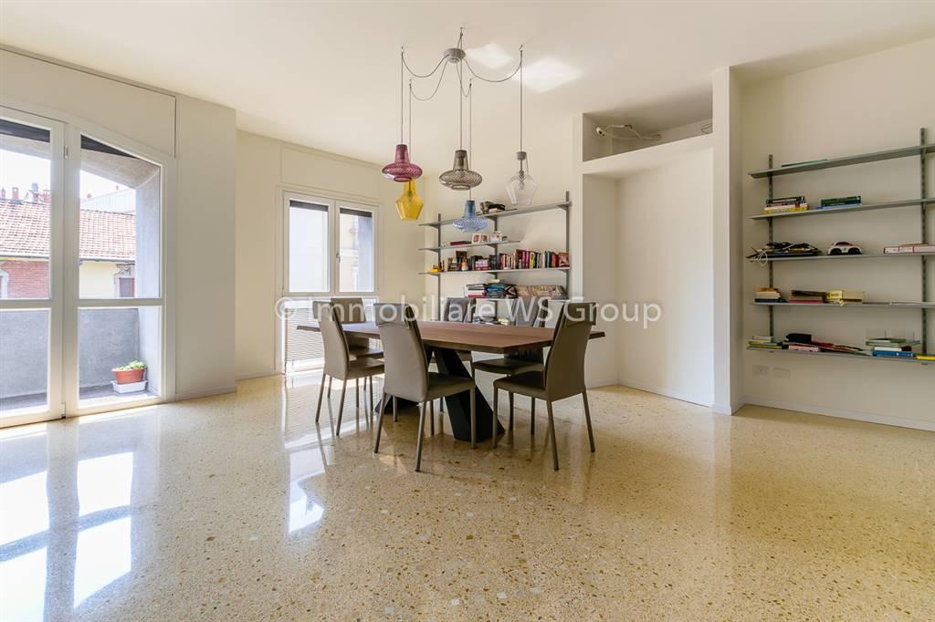 Appartamento in Vendita a Monza: 4 locali, 170 mq