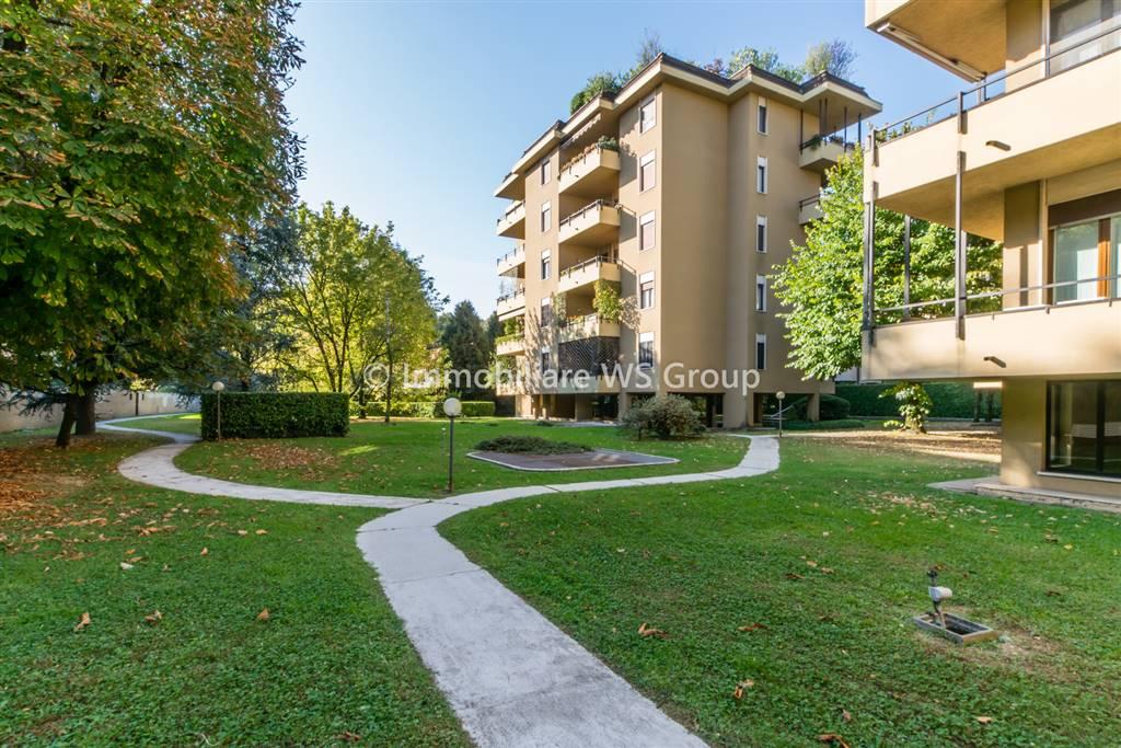 Appartamento in Vendita a Vedano Al Lambro: 4 locali, 161 mq