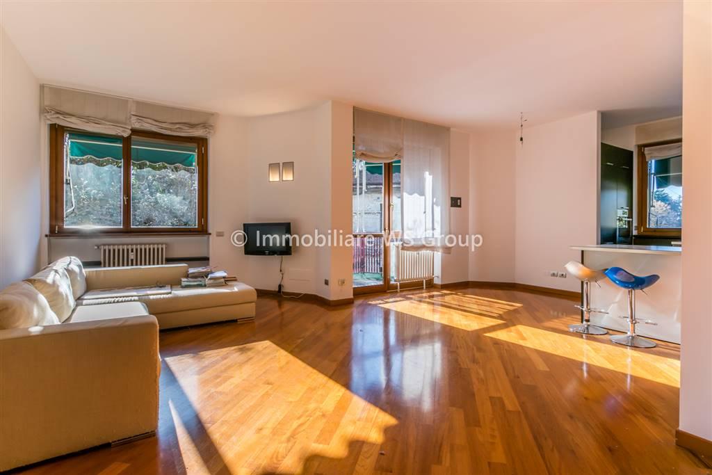 Appartamento in Affitto a Monza: 2 locali, 90 mq