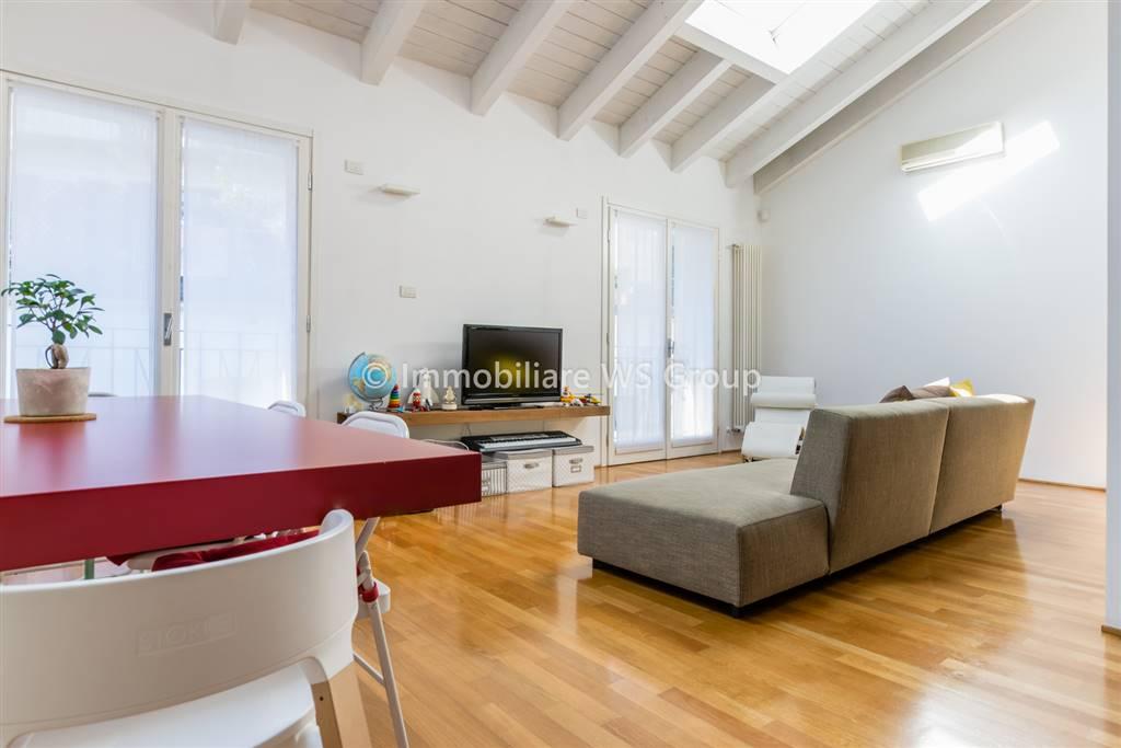 Appartamento in Vendita a Monza: 3 locali, 125 mq