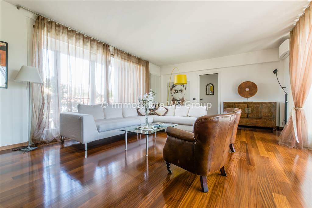 Appartamento in Vendita a Villasanta: 4 locali, 170 mq