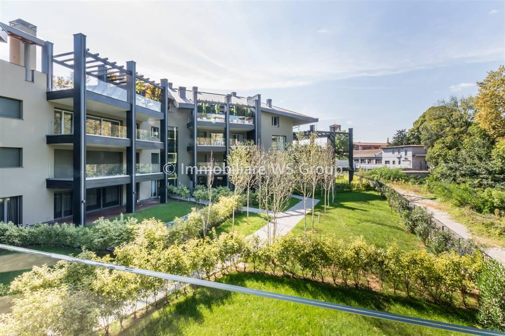 Appartamento in Vendita a Monza: 4 locali, 267 mq