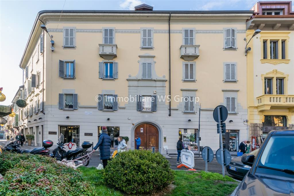 Appartamento in Vendita a Monza: 2 locali, 65 mq