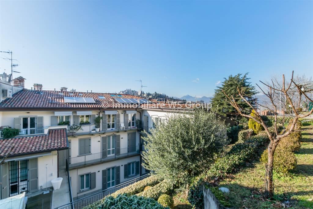 Appartamento in Vendita a Bergamo: 4 locali, 136 mq