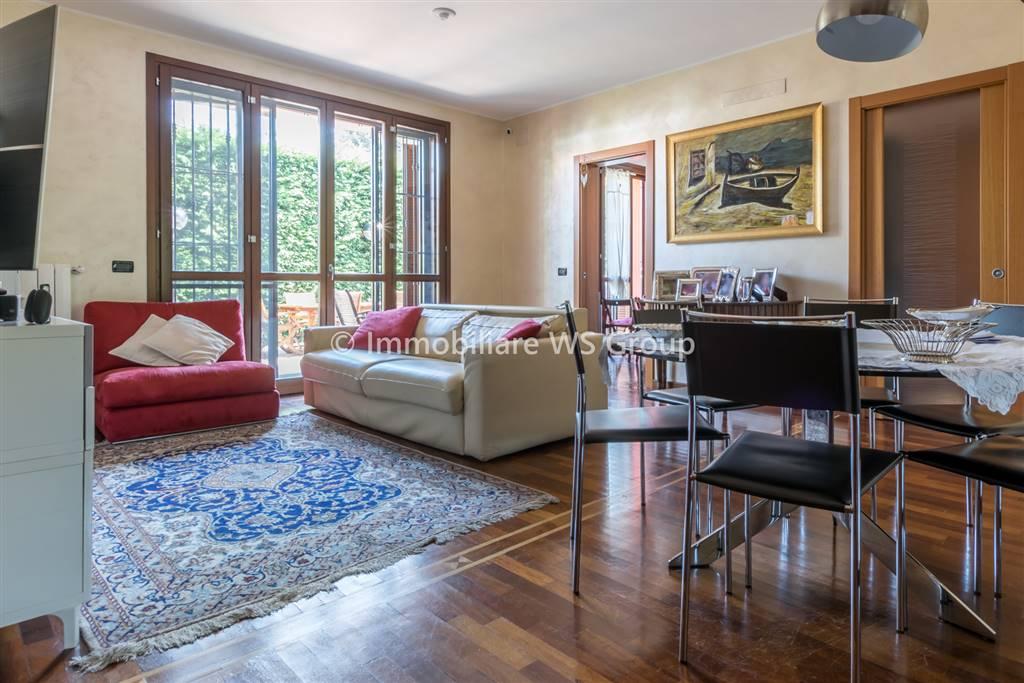 Appartamento in Vendita a Villasanta: 4 locali, 120 mq