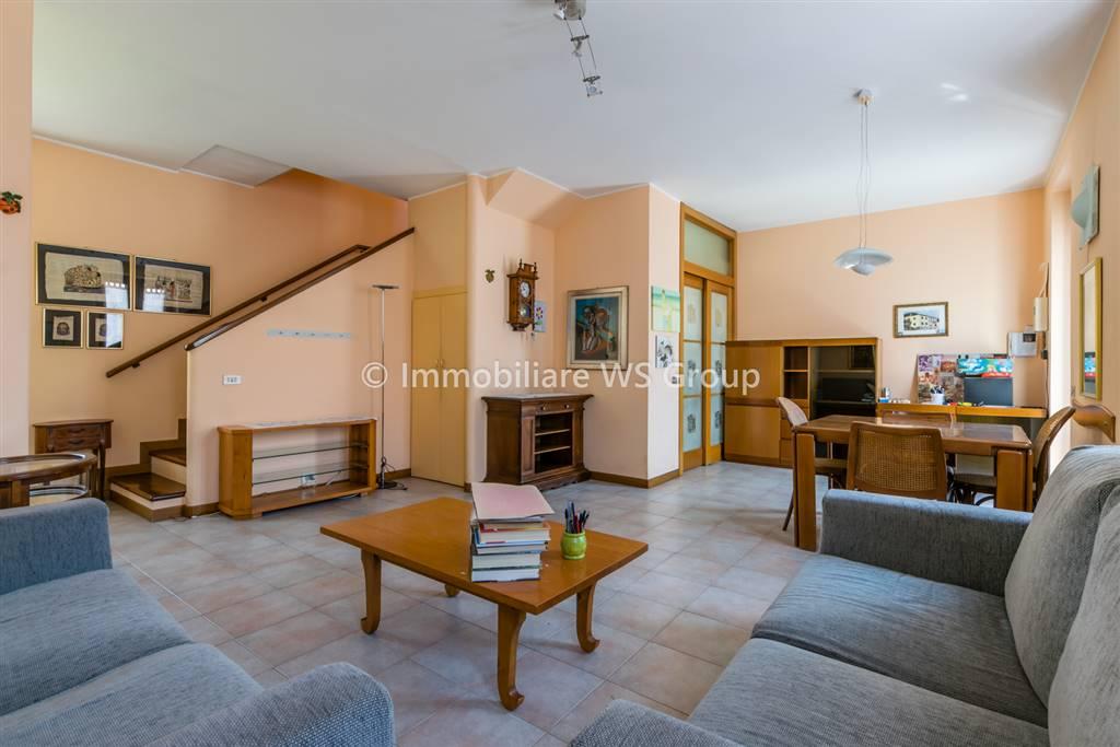 Appartamento in Vendita a Vedano Al Lambro: 4 locali, 90 mq