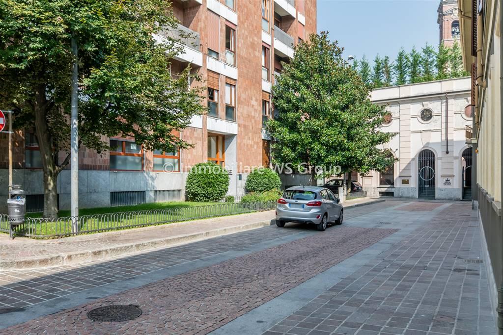 Appartamento in Vendita a Monza: 4 locali, 150 mq