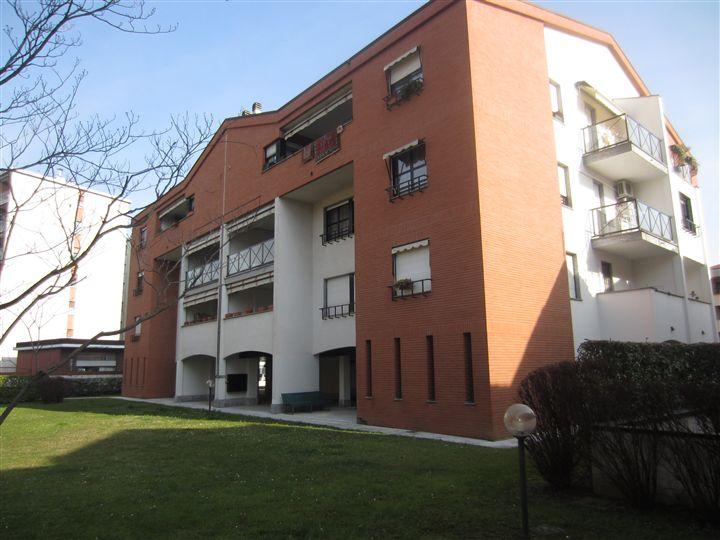 Appartamento in vendita a Monza, 4 locali, zona Zona: 1 . Centro Storico, San Gerardo, Via Lecco, prezzo € 360.000   Cambiocasa.it