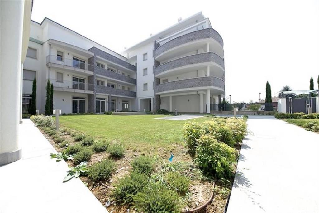 Appartamento in Vendita a Seregno: 3 locali, 102 mq