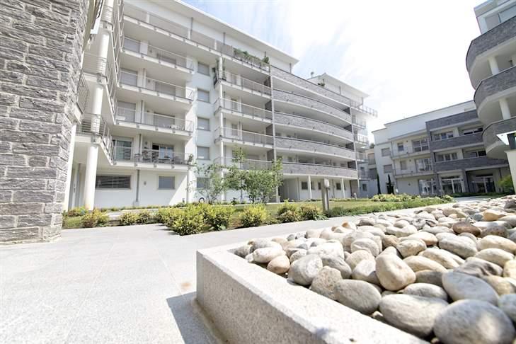 Appartamento in Vendita a Seregno: 2 locali, 74 mq