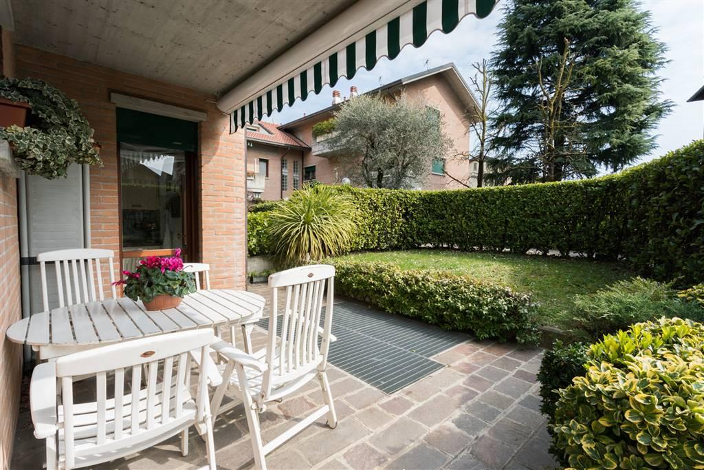 Villa in Vendita a Monza: 5 locali, 230 mq