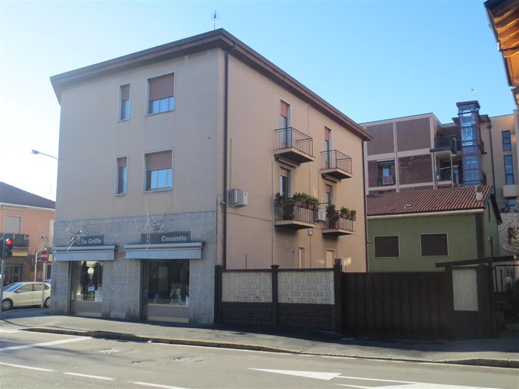 Appartamento in vendita a Cinisello Balsamo, 3 locali, zona Zona: Borgo Misto, prezzo € 90.000   Cambio Casa.it