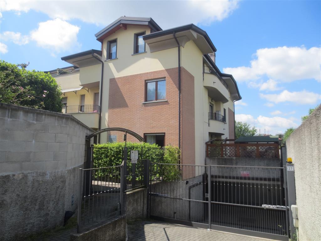 Appartamento in vendita a Biassono, 2 locali, prezzo € 115.000 | Cambio Casa.it