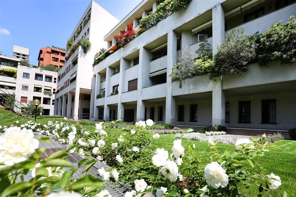 Appartamento in Vendita a Monza: 4 locali, 180 mq