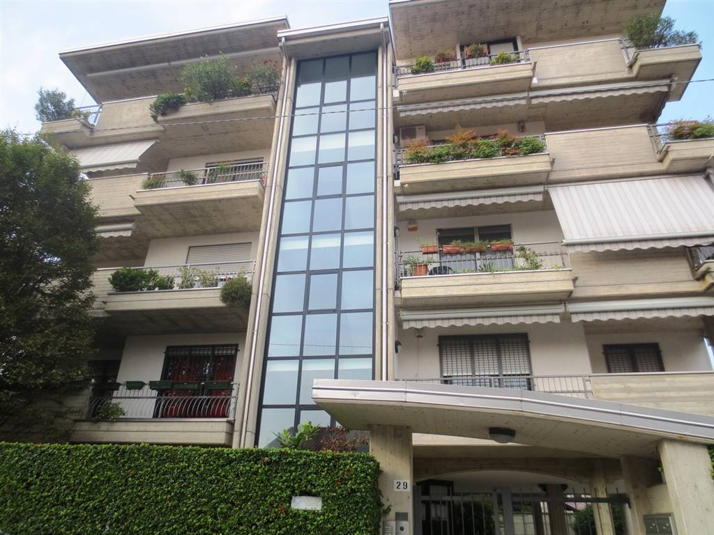 Appartamento in vendita a Lissone, 3 locali, prezzo € 168.000 | Cambio Casa.it