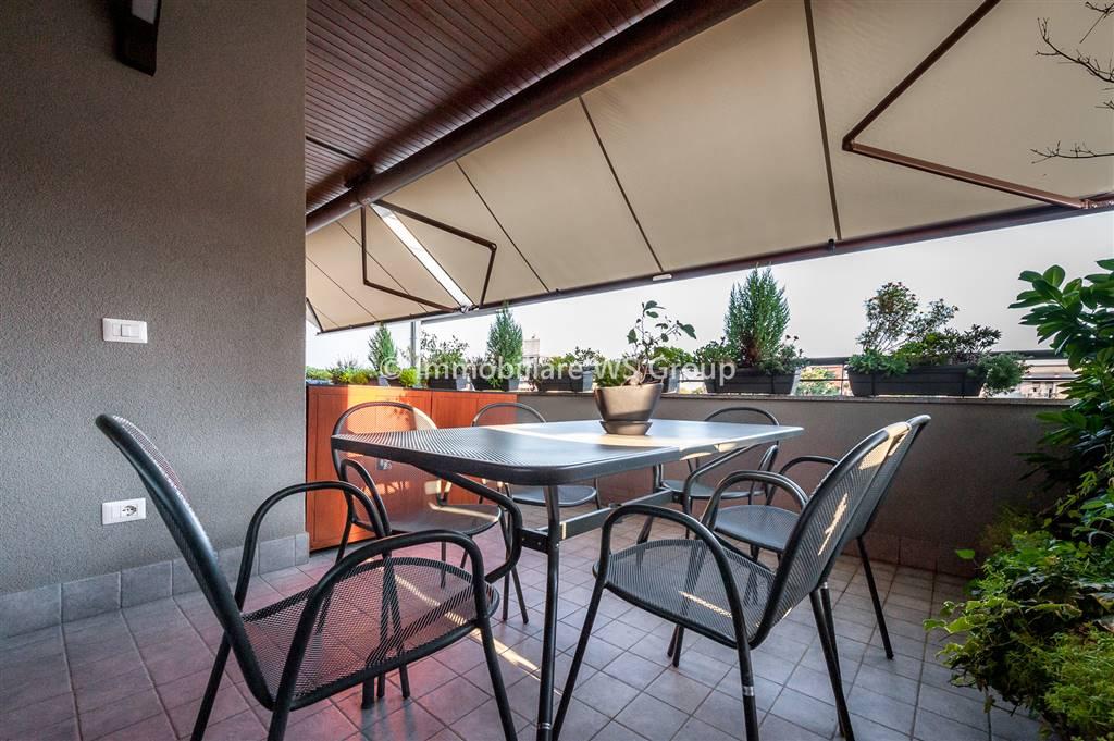 Appartamento in Vendita a Monza: 4 locali, 142 mq
