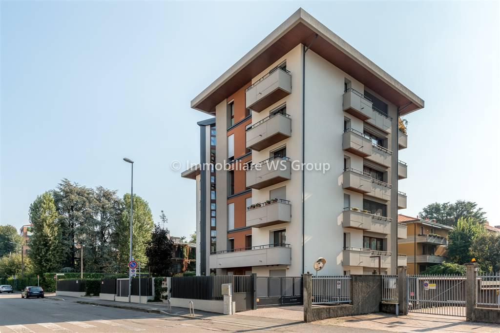 Appartamento in Vendita a Monza: 3 locali, 142 mq