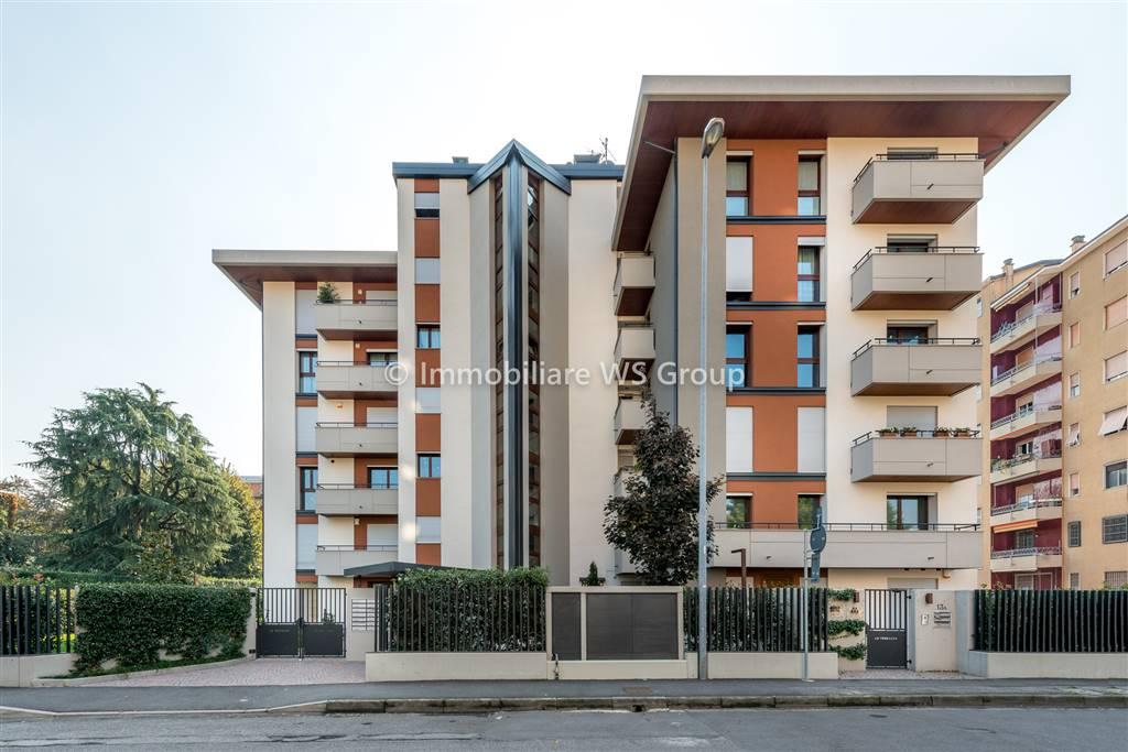 Appartamento in Vendita a Monza: 3 locali, 131 mq