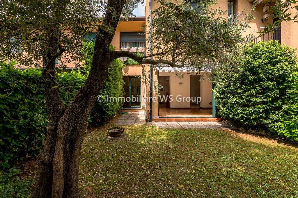Appartamento in Vendita a Lesmo: 4 locali, 120 mq