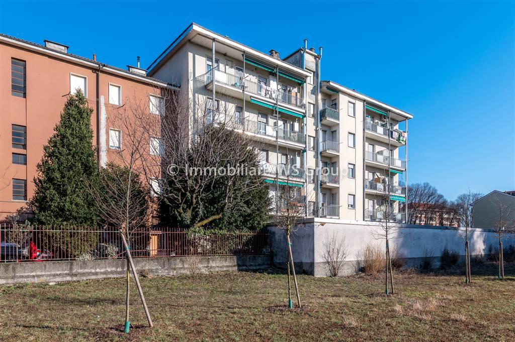 Appartamento in Vendita a Monza: 2 locali, 55 mq