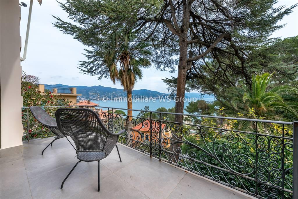 Appartamento in Vendita a Santa Margherita Ligure: 4 locali, 170 mq