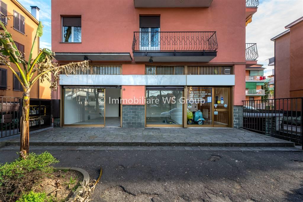 Ufficio-studio in Affitto a Monza: 3 locali, 70 mq