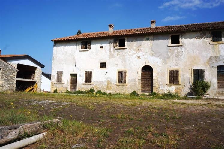 Rustico / Casale in Vendita a Colognola ai Colli