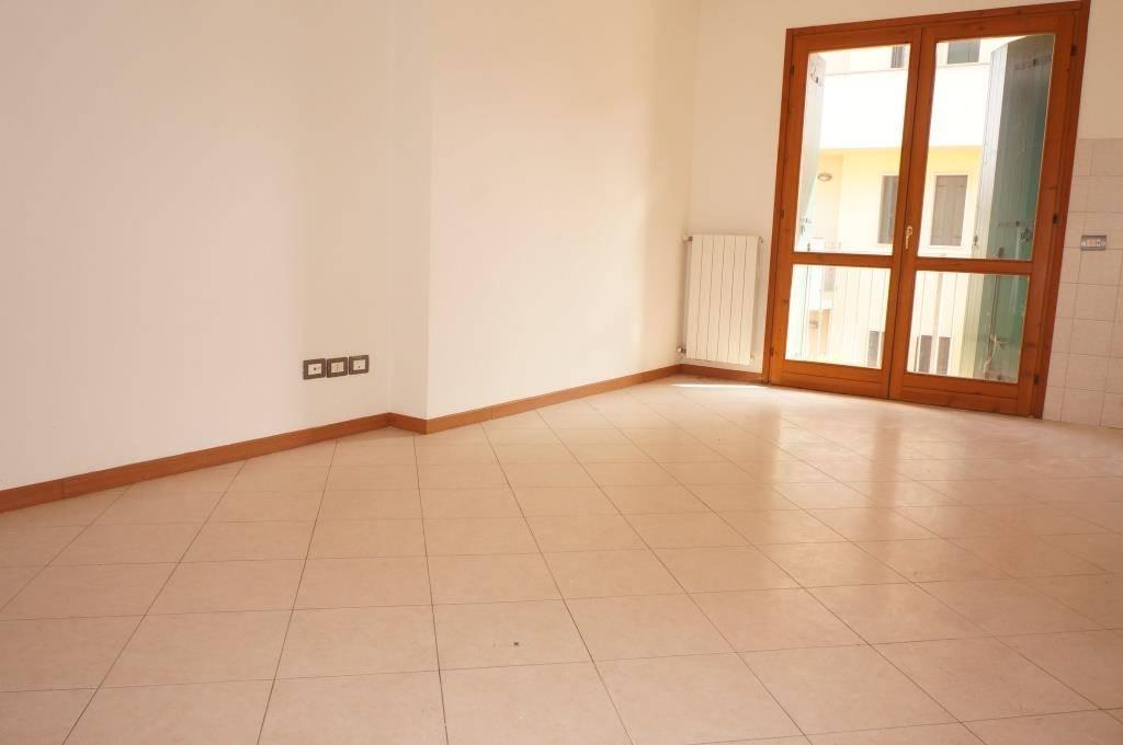 Appartamento in vendita a Colognola ai Colli, 3 locali, zona Zona: Stra, prezzo € 122.000 | CambioCasa.it
