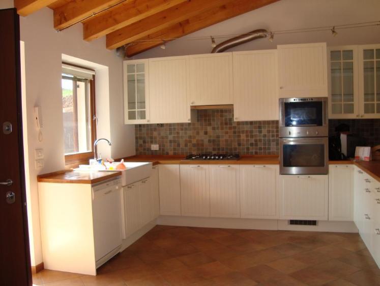 Rustico / Casale in vendita a Bosco Chiesanuova, 6 locali, zona Zona: Lughezzano-Arzerè, prezzo € 195.000 | Cambio Casa.it