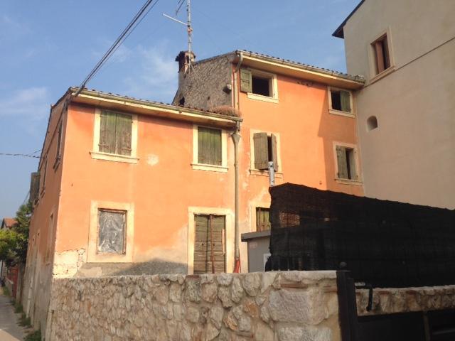 Rustico / Casale in vendita a San Martino Buon Albergo, 5 locali, zona Località: MARCELLISE, prezzo € 95.000 | CambioCasa.it