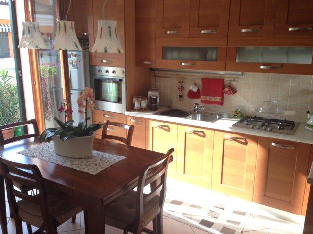 Appartamento in vendita a Lavagno, 3 locali, zona Zona: San Pietro, prezzo € 128.000 | Cambio Casa.it