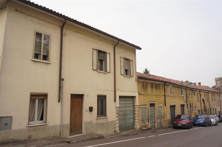 Rustico / Casale in vendita a Colognola ai Colli, 10 locali, zona Zona: Monte con Villa (capoluogo), prezzo € 325.000 | Cambio Casa.it
