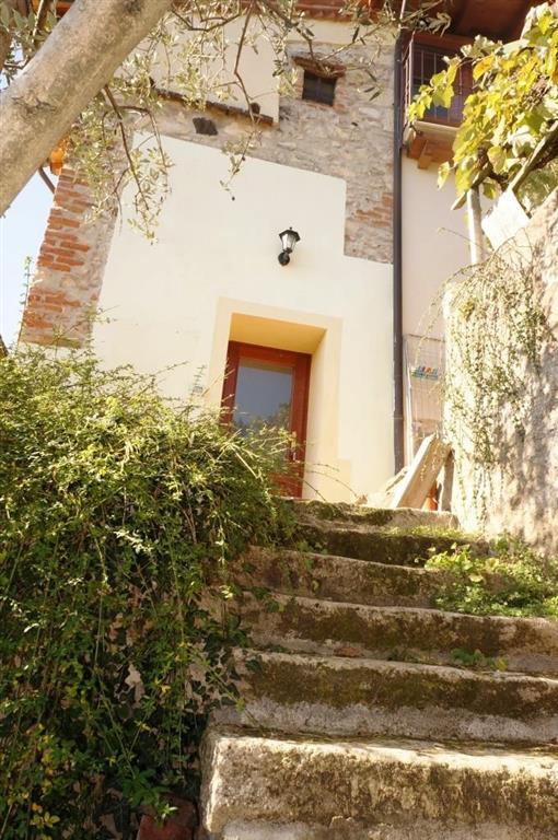 Rustico / Casale in vendita a Colognola ai Colli, 7 locali, zona Zona: Monte con Villa (capoluogo), prezzo € 299.000 | Cambio Casa.it