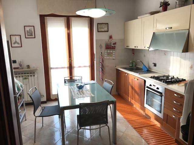 Appartamento in vendita a San Martino Buon Albergo, 4 locali, zona Località: CENTRO, prezzo € 118.000 | CambioCasa.it