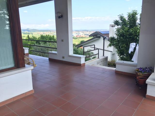 Villa in vendita a Lavagno, 8 locali, zona Località: MONTECELLI, prezzo € 490.000 | Cambio Casa.it