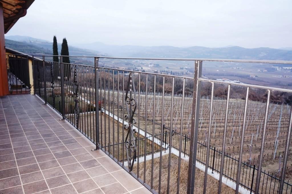 Appartamento in vendita a Lavagno, 3 locali, zona Zona: San Briccio, prezzo € 163.000 | Cambio Casa.it
