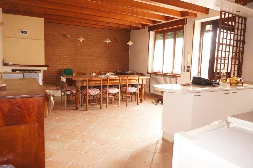 Rustico / Casale in vendita a Caldiero, 6 locali, zona Località: TERME, prezzo € 210.000 | Cambio Casa.it