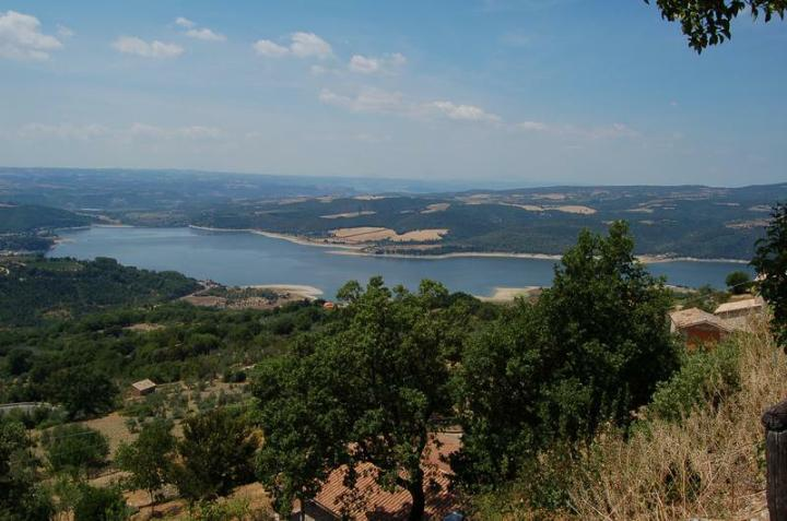 Soluzione Indipendente in vendita a Baschi, 10 locali, zona Zona: Civitella del Lago, prezzo € 280.000 | Cambio Casa.it