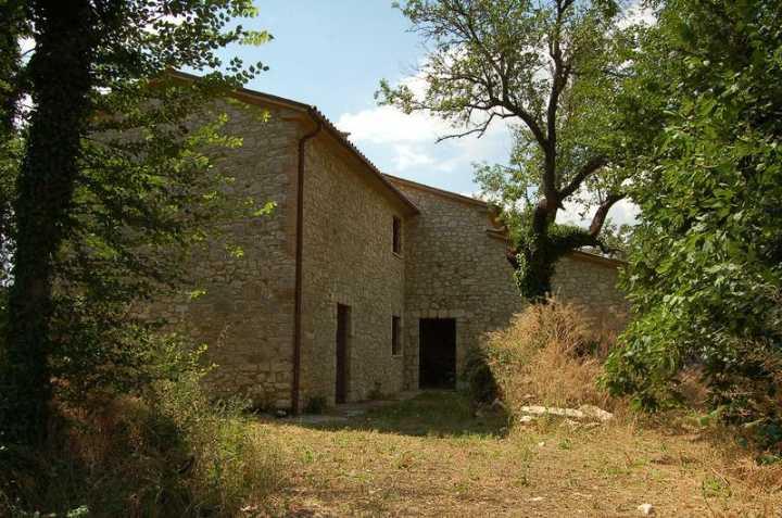 Rustico / Casale in vendita a Guardea, 12 locali, prezzo € 630.000 | CambioCasa.it