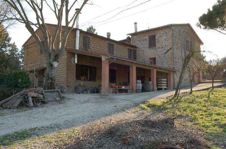 Soluzione Indipendente in vendita a Orvieto, 17 locali, zona Zona: Bardano, prezzo € 370.000 | Cambio Casa.it