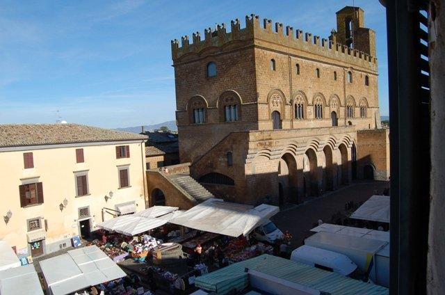 Appartamento in vendita a Orvieto, 6 locali, prezzo € 260.000 | Cambio Casa.it
