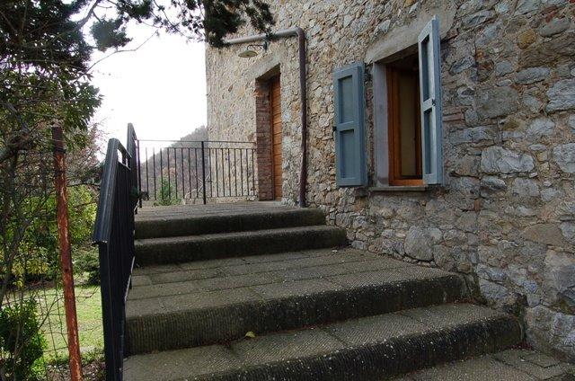 Appartamento in vendita a Ficulle, 4 locali, zona Zona: Olevole, prezzo € 55.000 | CambioCasa.it