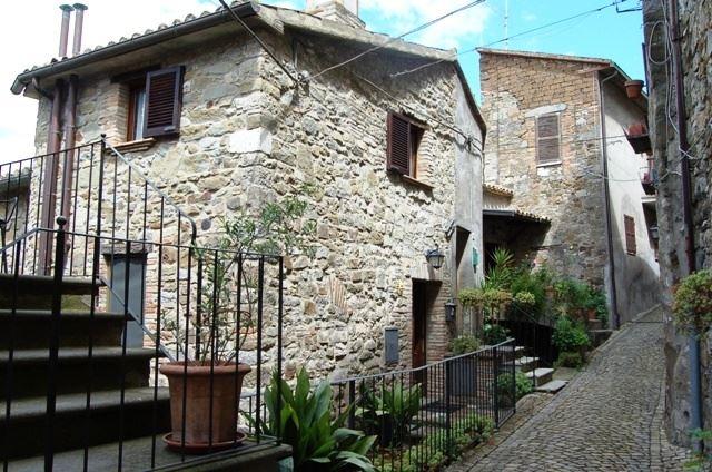 Soluzione Indipendente in vendita a Baschi, 6 locali, prezzo € 102.000 | Cambio Casa.it