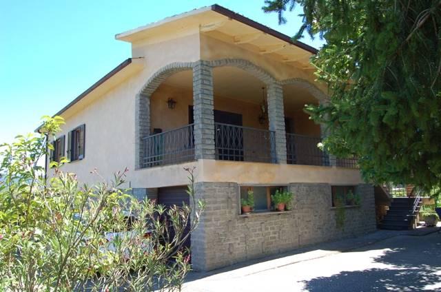 Villa in vendita a Civitella d'Agliano, 8 locali, prezzo € 155.000 | CambioCasa.it