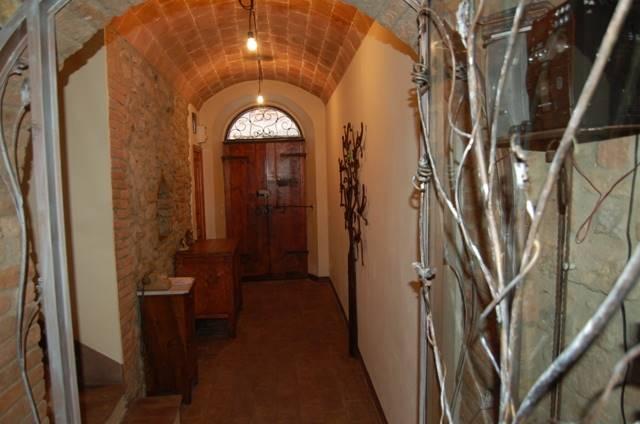 Soluzione Semindipendente in vendita a Ficulle, 10 locali, prezzo € 230.000 | Cambio Casa.it