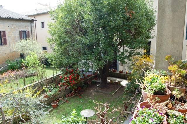 Appartamento in vendita a Orvieto, 6 locali, prezzo € 330.000 | CambioCasa.it