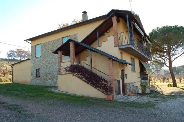 Soluzione Indipendente in vendita a Baschi, 12 locali, prezzo € 230.000 | CambioCasa.it