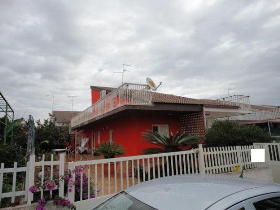Villa Bifamiliare in vendita a Santa Croce Camerina, 6 locali, prezzo € 150.000 | CambioCasa.it