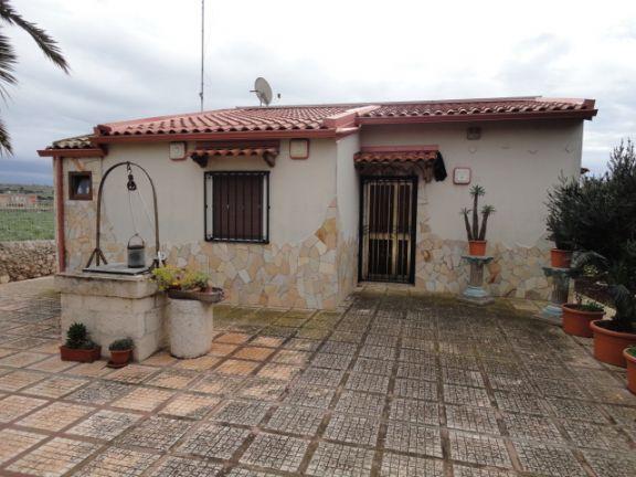 Villa in vendita a Santa Croce Camerina, 4 locali, prezzo € 175.000 | Cambio Casa.it