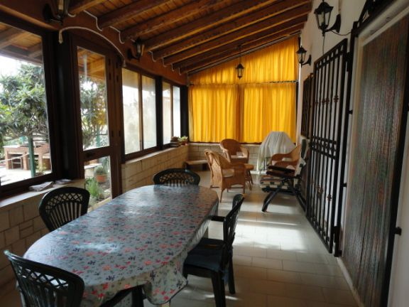 Beautiful Cucina In Veranda Chiusa Contemporary - Home Interior ...